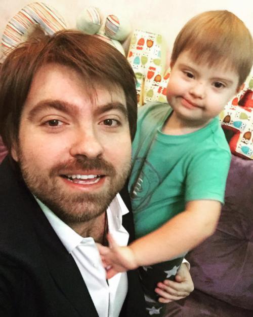 В 2016 году Эвелина Бледанс и Александр Сёмин развелись, но продолжили совместную работу над благотворительными и социальными проектами в поддержку детей с синдромом Дауна.