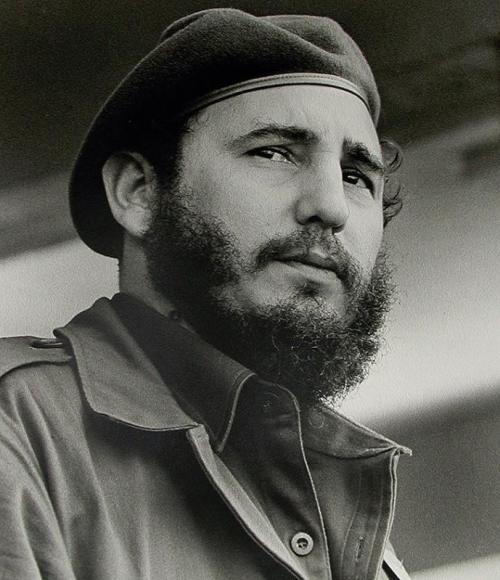 1. Фидель Кастро. У коммунистического диктатора, по слухам, было 35 000 женщин Вероятно, вы думали, что наш список величайших бабников мира начнется с актера или поп-звезды, но вы не правы. Кубинский диктатор Фидель Кастро якобы переспал за свою жизнь с 35 тыс. женщин. По словам одного должностного лица из администрации Кастро, он имел по крайней мере двух женщин в день в течение четырех десятилетий: одну на обед, одну на ужин, а иногда он даже заказывал одну на завтрак.