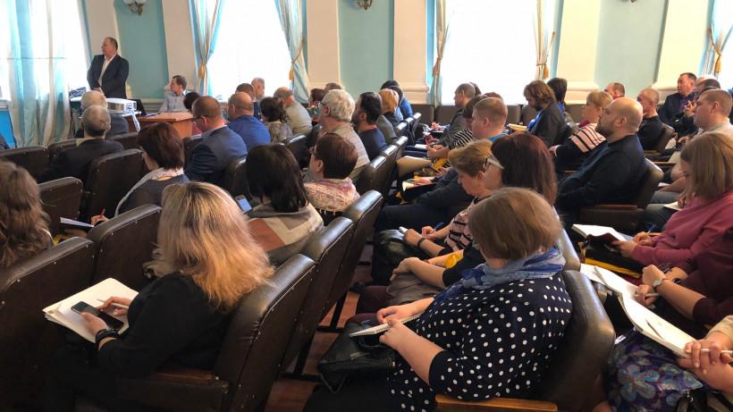 Аграрии Подмосковья обсудили организацию кормления крупного рогатого скота в зимний период