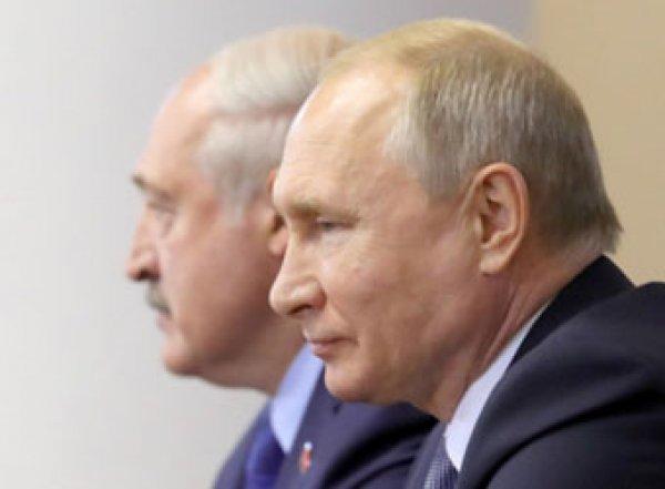 Bloomberg обвинил Путина в попытке объединиться с Белоруссией