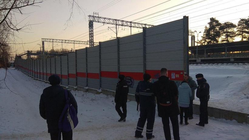 Двух человек оштрафовали в Мытищах за переход железнодорожный путей в неположенном месте