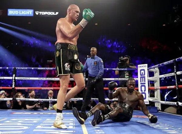 Фьюри нокаутировал Уайлдера, став чемпионом мира по версии WBC