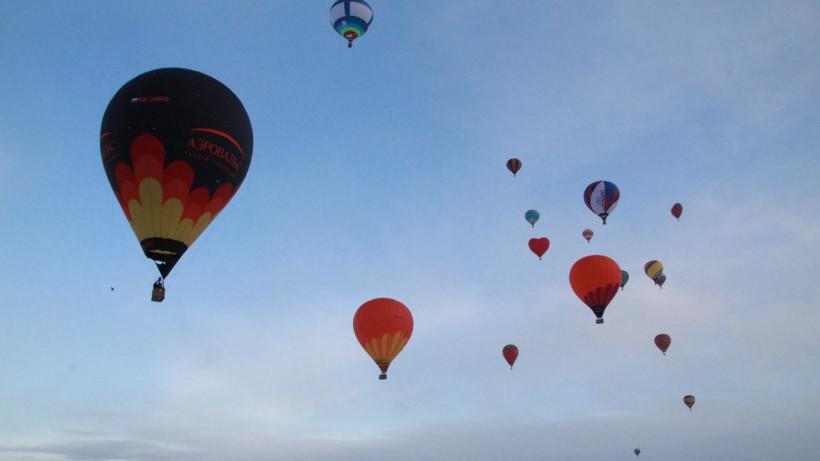 Лучшие места для полетов на воздушных шарах в День всех влюбленных определили в Подмосковье