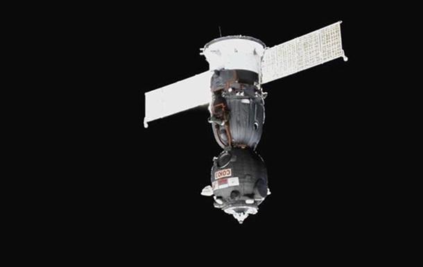 Международный экипаж МКС совершил посадку в Казахстане