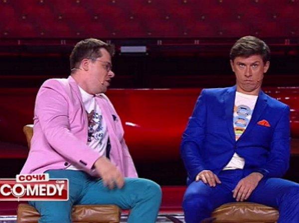 Пьяный Харламов избил Батрутдинова из-за Асмус прямо на сцене Comedy Club