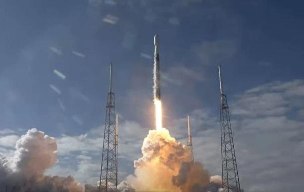 SpaceX вывела на орбиту еще 60 спутников и потеряла ступень ракеты