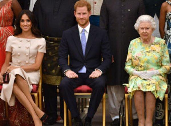 Стало известно, когда принц Гарри и Меган Маркл официально лишатся статуса королевских особ
