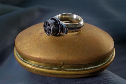 Женское кольцо-пистолет, Франция, 1870-е