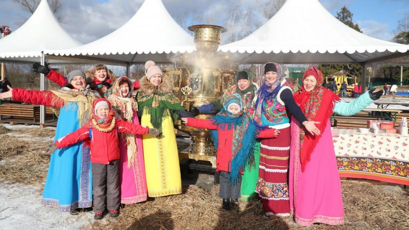 Более 10 тыс. человек отпраздновали Масленицу в усадьбе Захарово