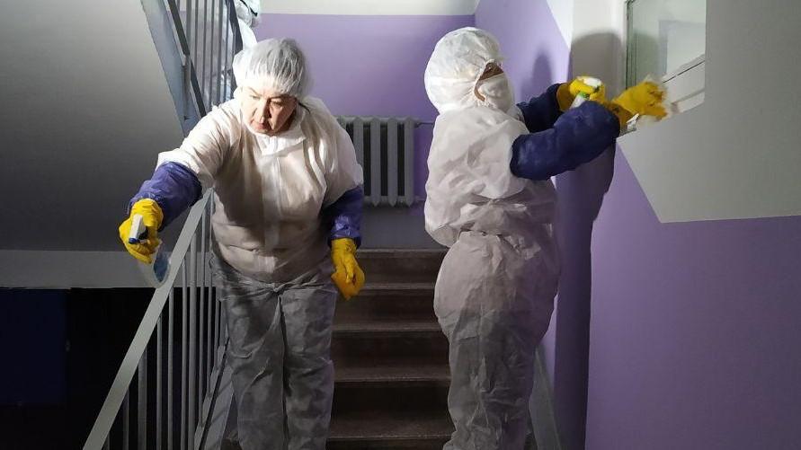 Более 2,3 тыс. нарушений дезинфекции подъездов выявили в Подмосковье за неделю