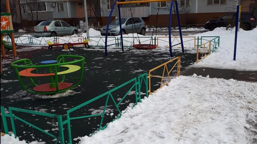 Более 500 проверок детских площадок провели сотрудники Госадмтехнадзора в Подмосковье