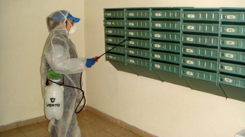 Более 600 заявок на проведение дезинфекции подъездов жилых домов выполнили в Подмосковье