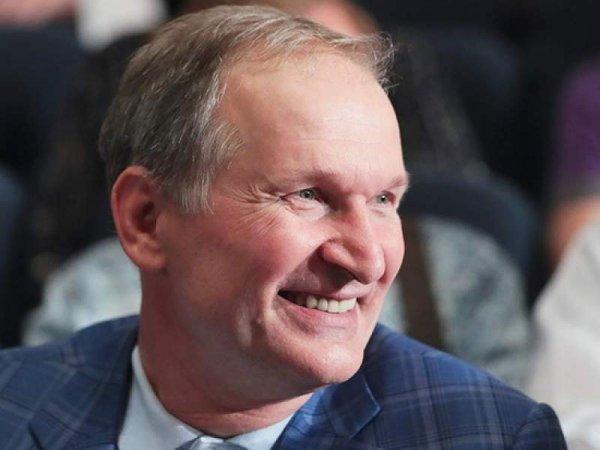 """Добронравов заявил о приостановке съемок сериала """"Сваты"""""""