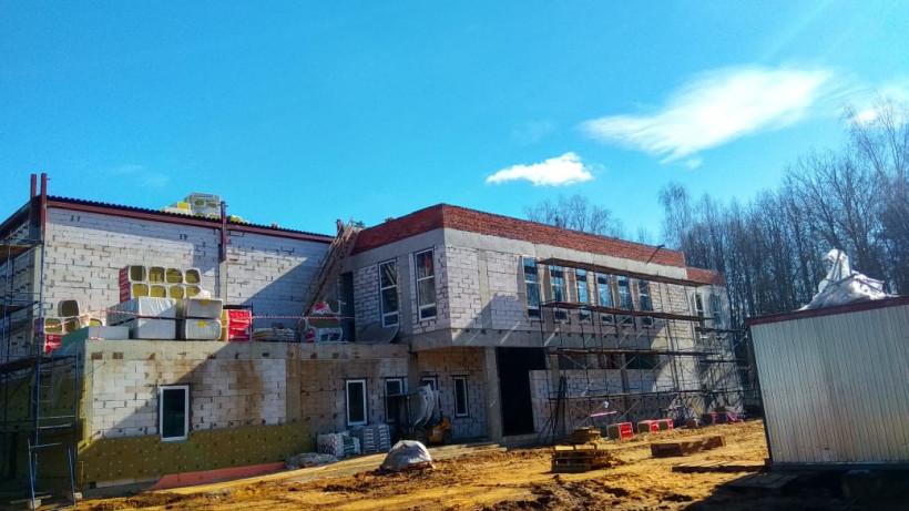 Инспекторы Главгосстройнадзора проверяют строительство Дома культуры в Молодежном
