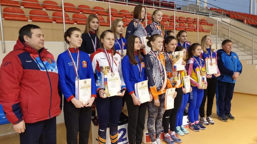 Подмосковные конькобежцы завоевали 6 серебряных медалей первенства России