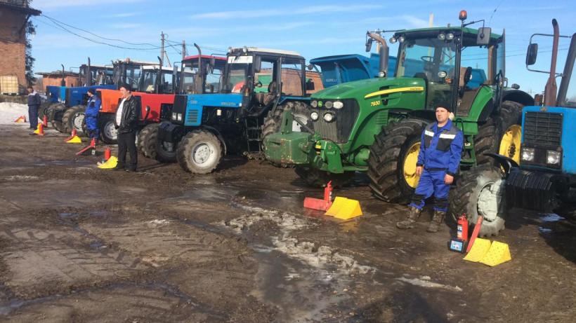 Семнадцать тыс. удостоверений тракториста-машиниста выдали в Подмосковье