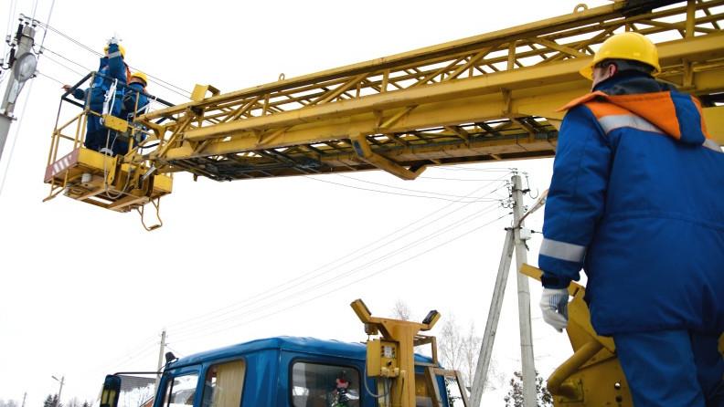 Свыше километра высоковольтных опор демонтируют в Раменском округе