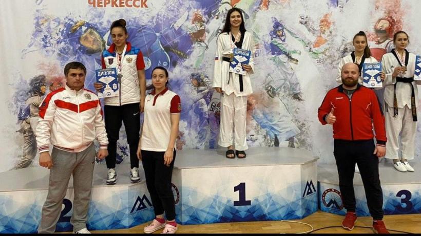 Три медали завоевали подмосковные спортсменкина всероссийских соревнованиях по тхэквондо
