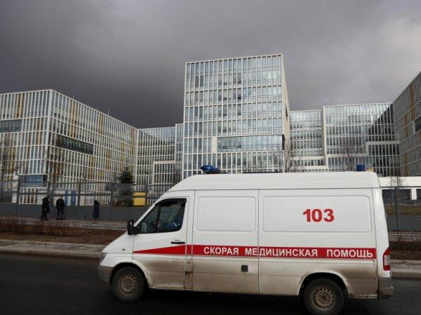 В Москве из-за коронавируса ввели свободное посещение школ, а сенаторам запретили выезд за границу