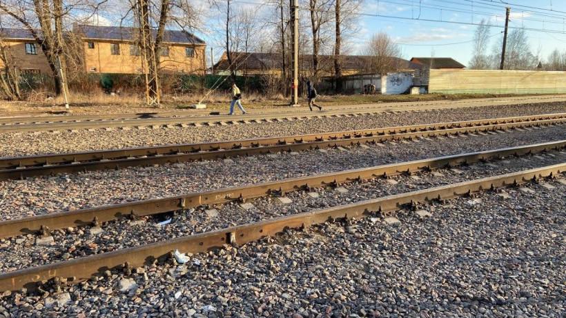 Восемь нарушителей перехода через ж/д пути оштрафовали на станции Весенняя в Подольске