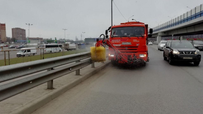 Более 1,2 тыс. единиц техники переведены на весенне-летнее содержание дорог в Подмосковье