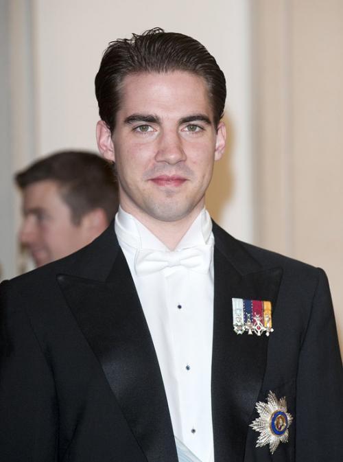 Принц Греции и Дании Филипп, 32 года Филипп — младший сын греческого короля Константина II. Принц проводит время в своем офисе в Нью-Йорке, занимаясь хедж-фондами. Он тоже является выпускником Университета Джорджтауна и наверняка был лучшим в классе.
