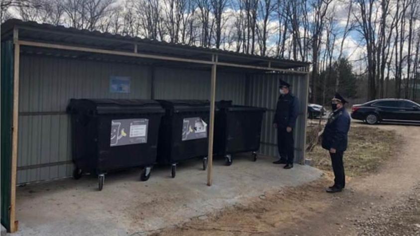 Олег Баженов проверил содержание контейнерных площадок в трех городских округах