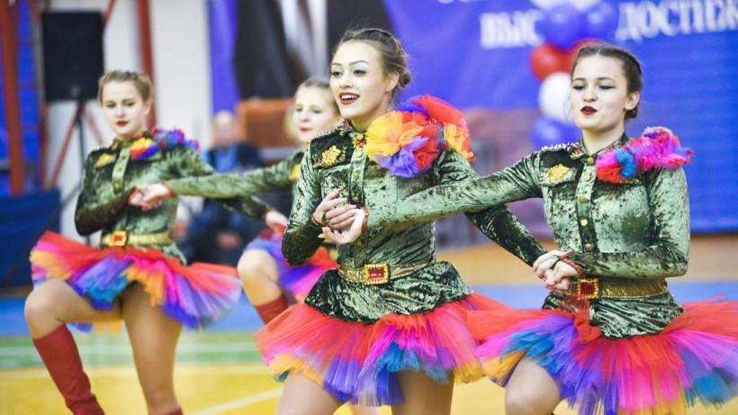 Призер кубков России по акробатическому рок-н-роллу провела тренировку «Живу спортом»
