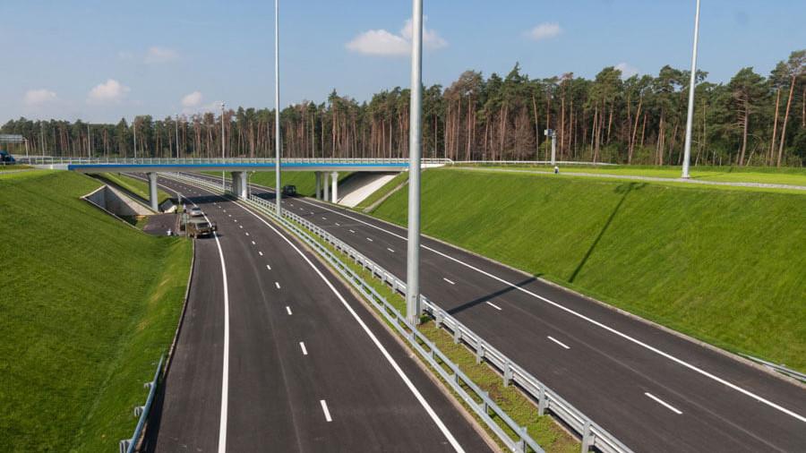 Вылетные магистрали приводят в порядок после зимы в Московской области