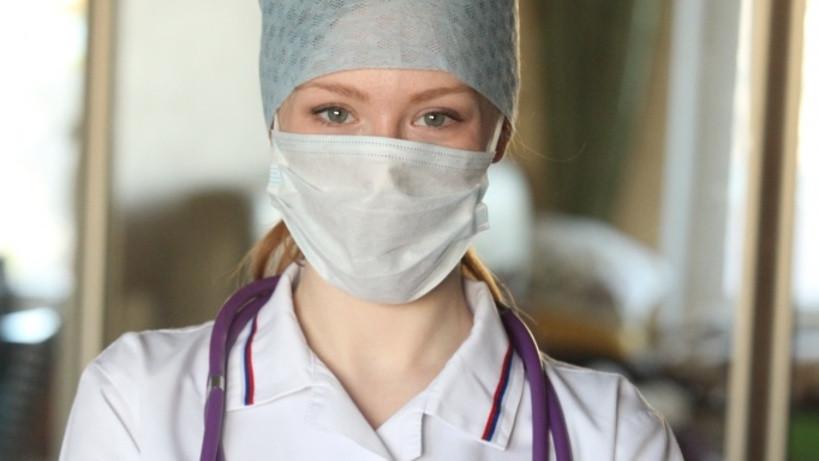 Андрей Воробьев поздравил медсестер Подмосковья с профессиональным праздником
