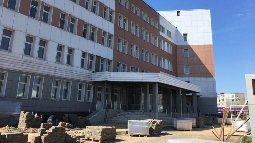 Более 200 рабочих задействовано в строительстве поликлиники в Подольске