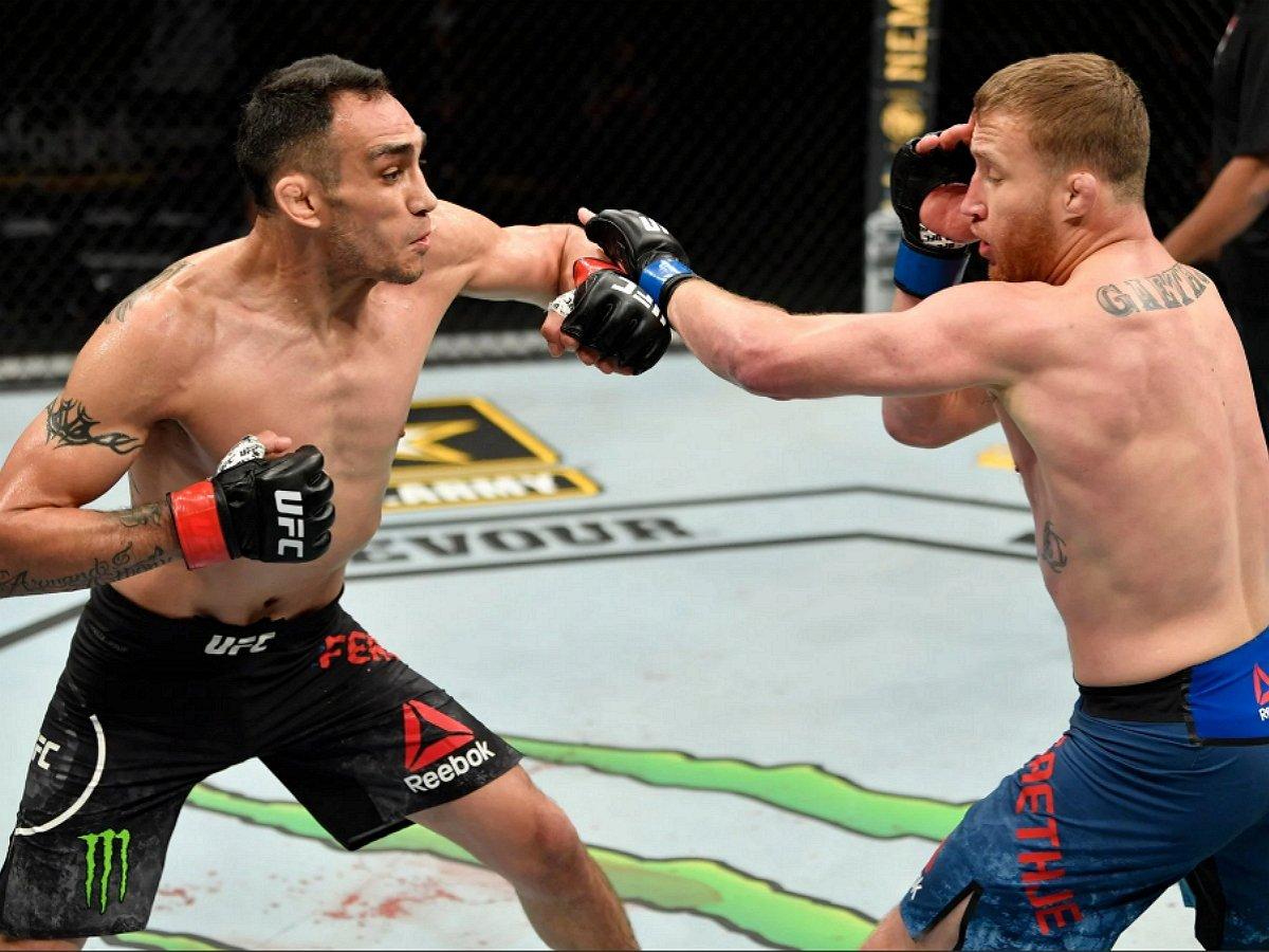 Гэтжи сенсационно нокаутировал Фергюсона в главном бою турнира UFC 249