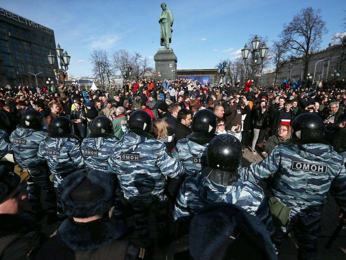 Глава «Левада-центра» предсказал массовые протесты против карантинных мер через два месяца