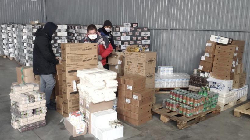 Подмосковные производители продуктов питания отправят почти 1,5 тыс. наборов для врачей
