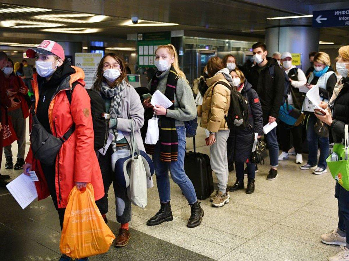 учителей из-за границы вернут на родину из-за пандемии