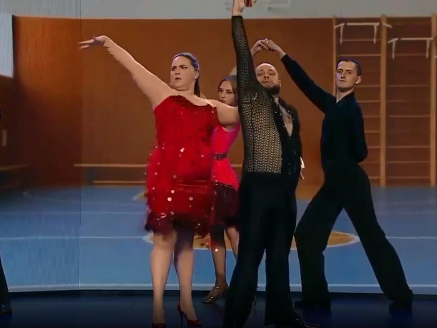 «Коньячку бабахнули»: номер с толстыми танцорами из «Уральских пельменей» стал хитом в Сети (ВИДЕО)
