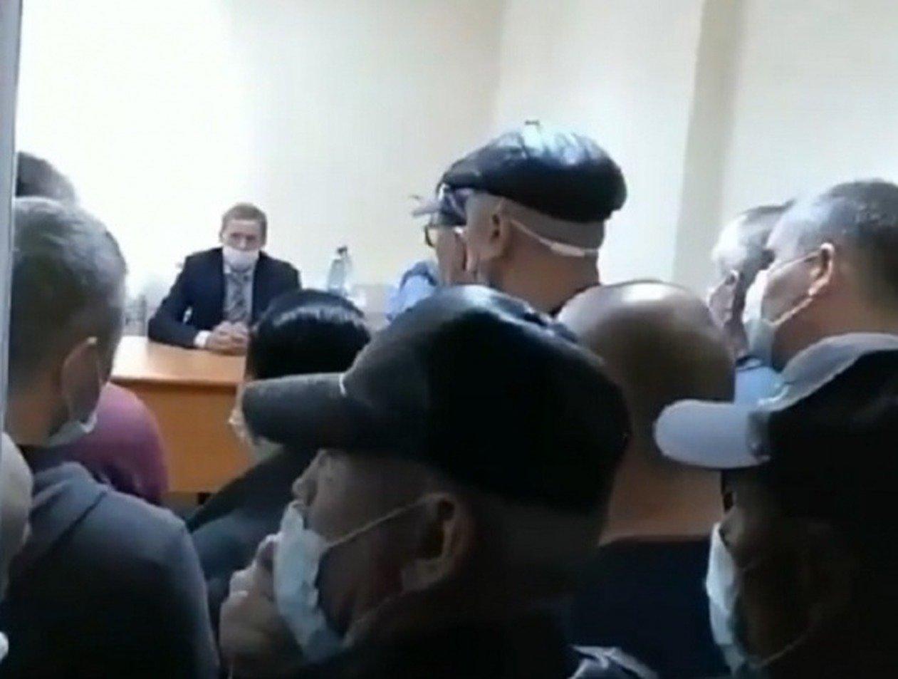 Медиков, попросивших выплат Путина, обвинили в «заказухе»