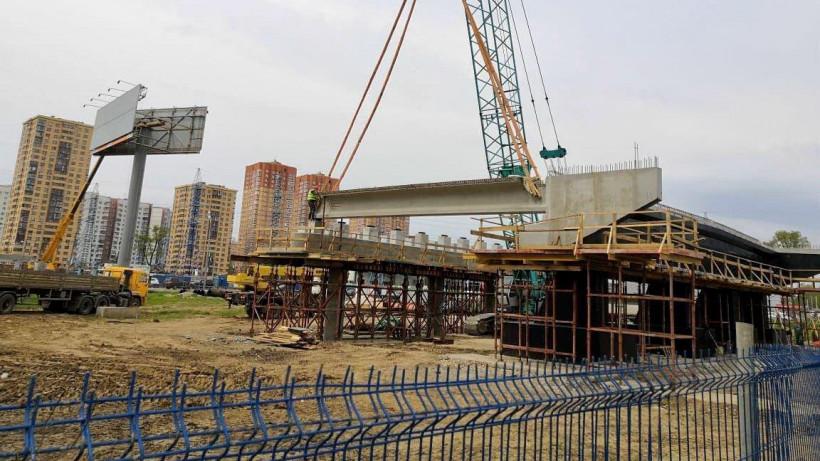 Монтаж пролетного строения строящегося путепровода стартовал в Химках