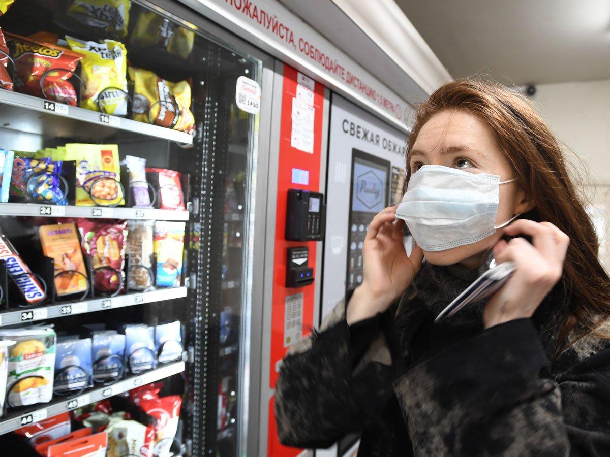 Москва вводит режим обязательного ношения масок и перчаток в общественном транспорте
