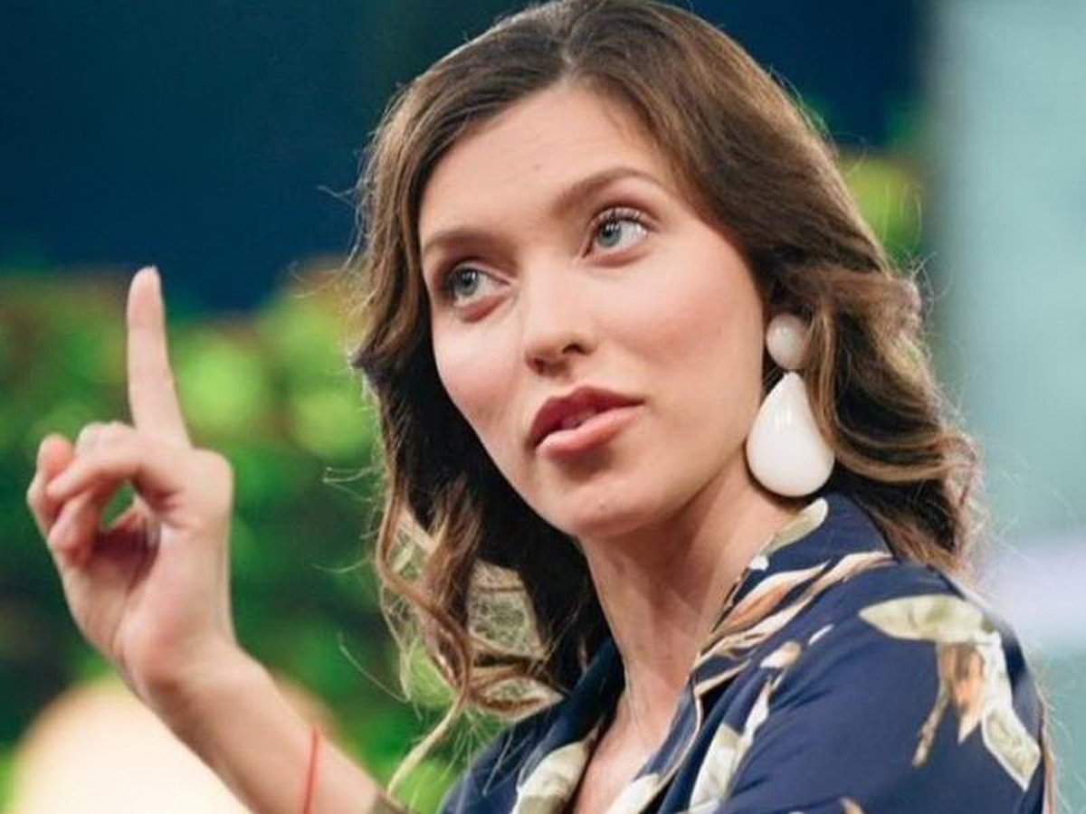 Оскандалившаяся Регина Тодоренко может лишиться места в жюри шоу «Маска»
