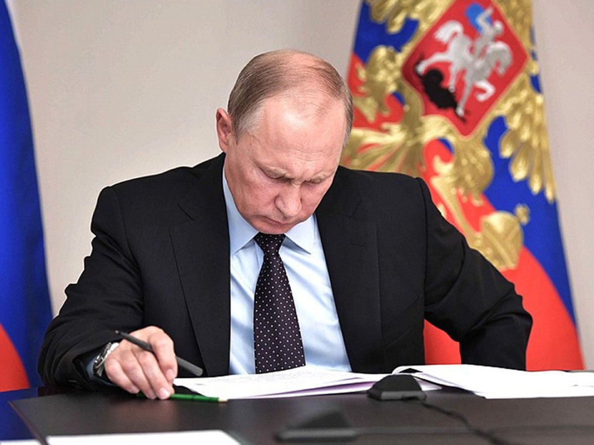 СМИ: Путин предложил принять закон, ссылаясь на поправки к Конституции еще до голосования