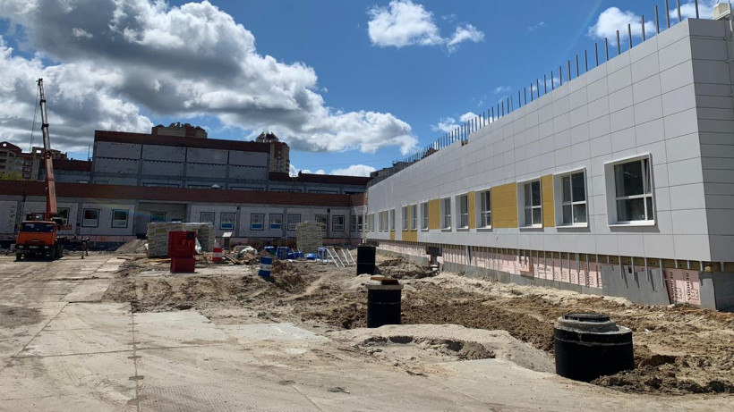 Строительство пристройки к школе №22 возобновили в Электростали