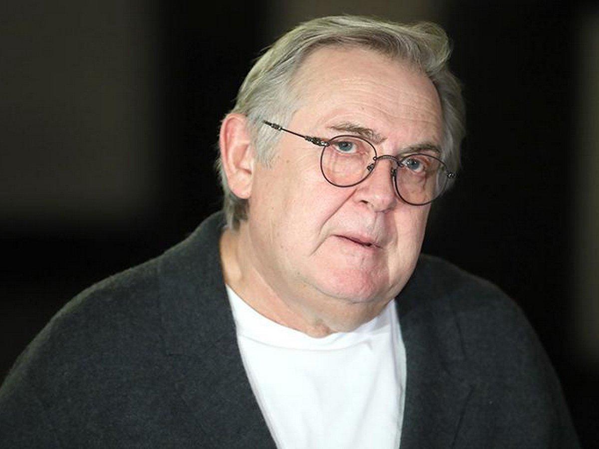 «Всю жизнь плясали и пели»: Юрий Стоянов похвастался большой пенсией, возмутив Миро