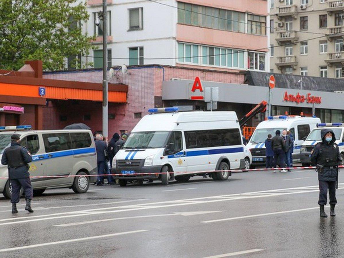 Заложник в «Альфа-банке» вел онлайн-трансляцию штурма