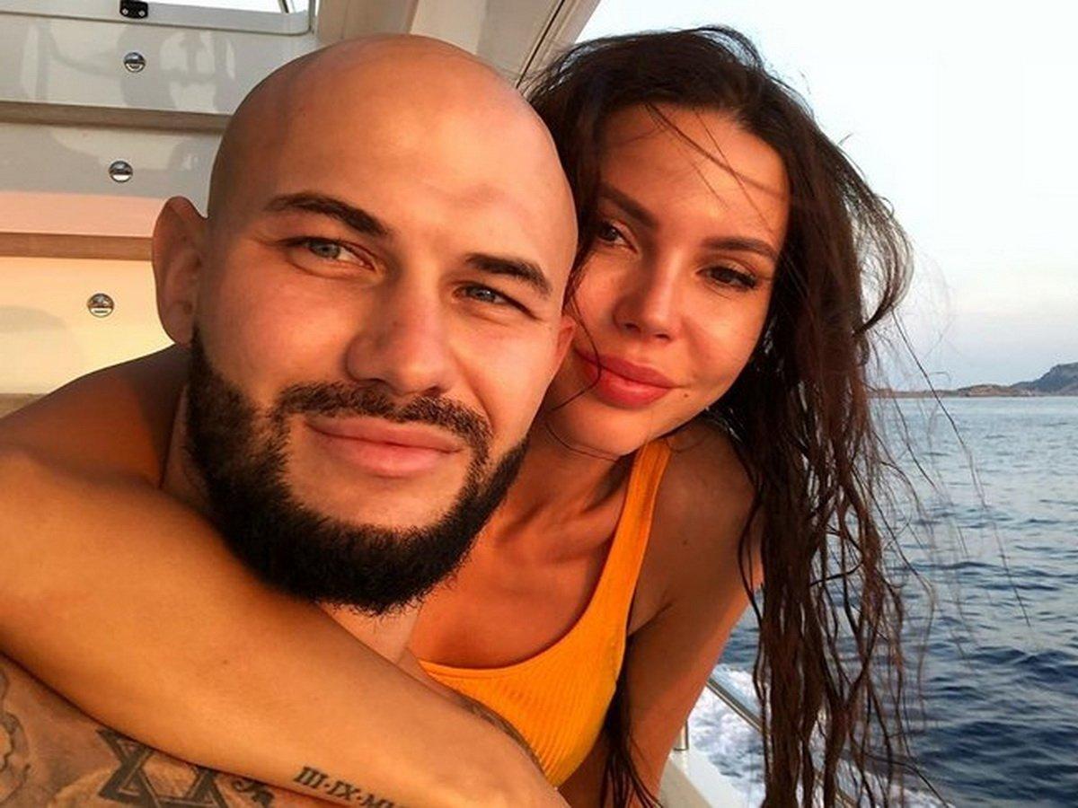 «Живем пока вместе»: Самойлова рассказала правду о разводе с Джиганом