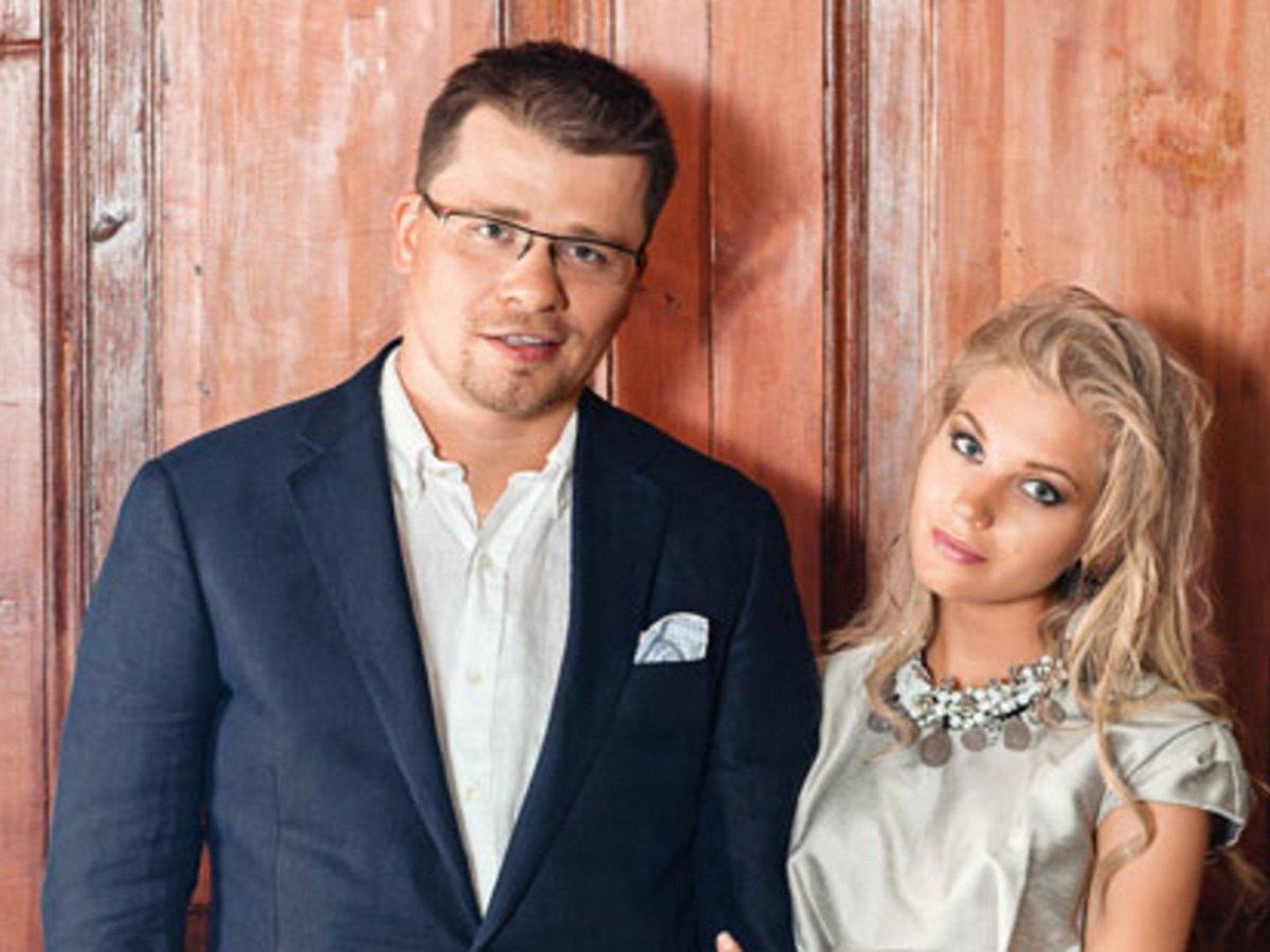 Асмус отреагировала на слухи о фейковом разводе с Харламовым
