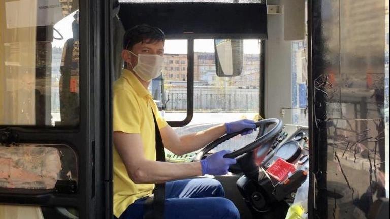 Более 95% пассажиров общественного транспорта Подмосковья надели маски в пятницу утром