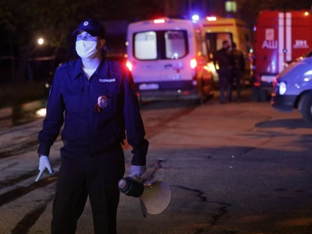 Бывший чиновник мэрии Москвы открыл стрельбу из окон, ранив прохожих