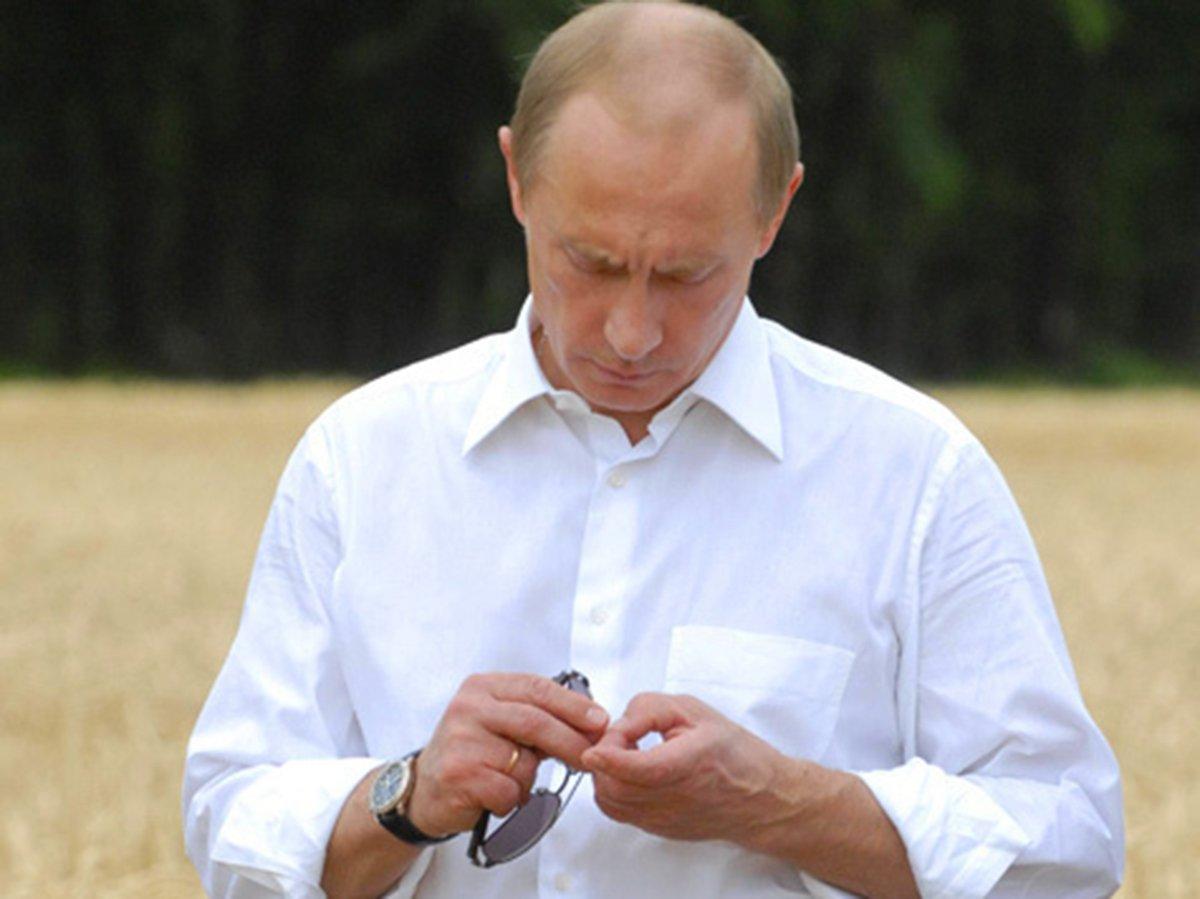 """""""Цену сбрасывать не планирую"""": в Сети продают рубашку Путина за 165 тысяч"""