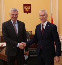 Олег Матыцин и губернатор Магаданской области Сергей Носов обсудили развитие спортивной инфраструктуры